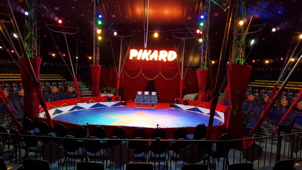 Weihnachtsfeier Zirkus.Meinelocation At Circus Pikard
