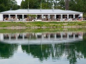 Diamond Country Club Boathouse