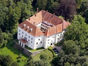 Schloss Ernegg Vollansicht Event