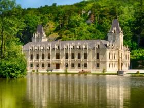 Schloss Hernstein Vollansicht