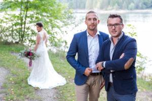 Lukas Hasenauer und Dominik Scherz, Gründer von dem Online-Locationfinder meinelocation.at, führen ab sofort auch für das Burgenland exklusive Räumlichkeiten für Hochzeiten, Seminare und Feste aller Art. © Fotograf & Fee